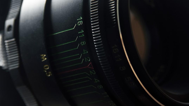 telephoto macro lens