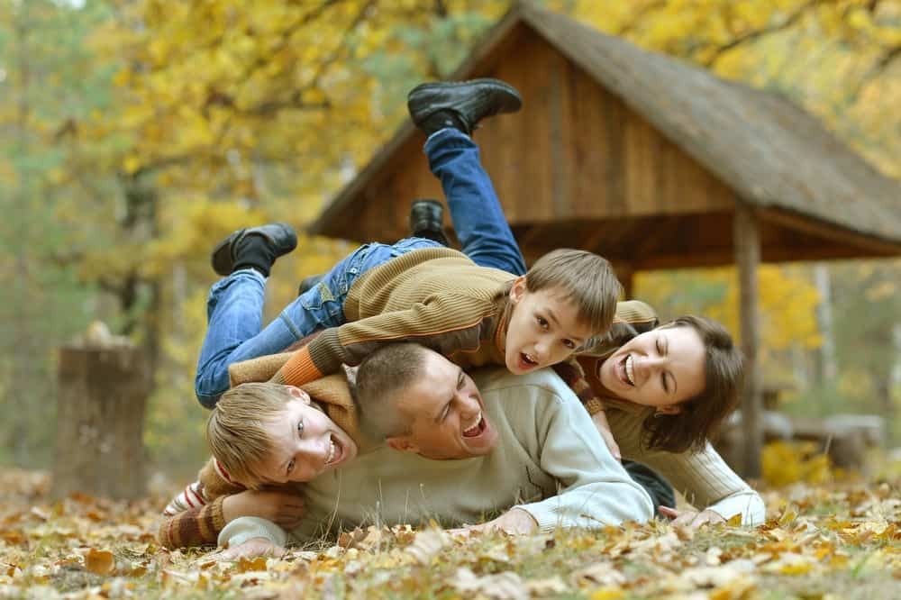 5 Family Photo Pose Tips and Ideas