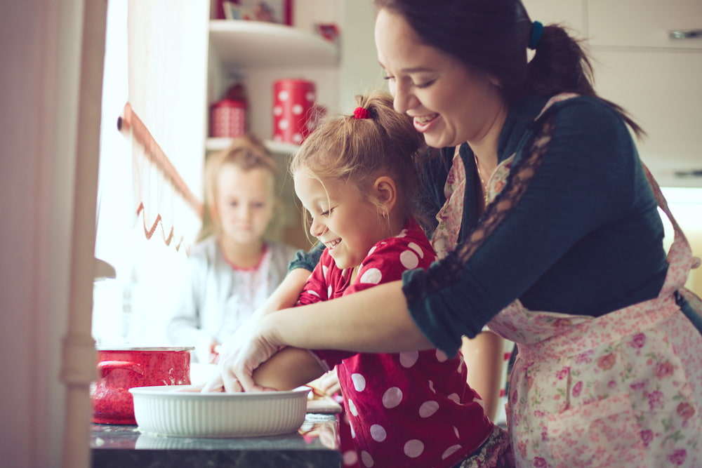 10 Tips to Get Your Child in The Kitchen