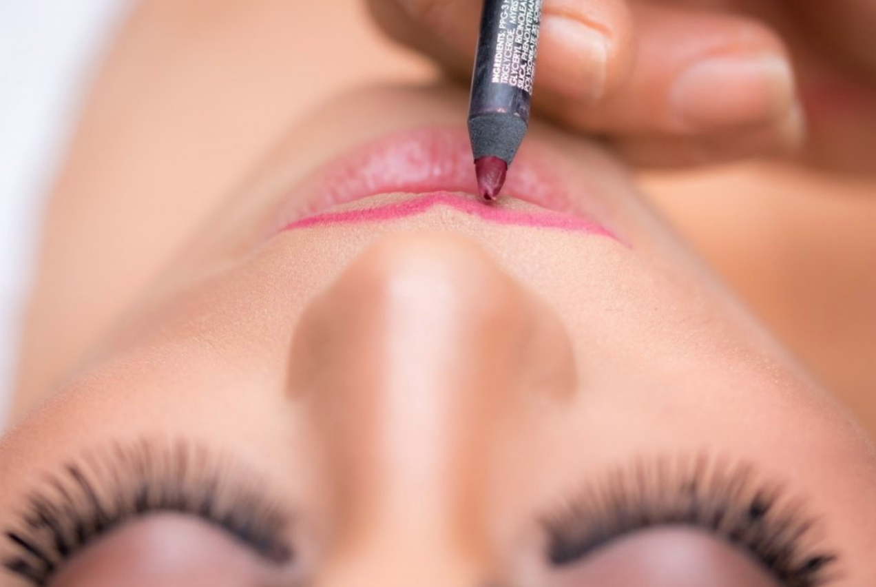 10 Game-Changing Makeup Hacks